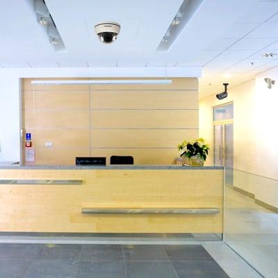 seguridad-alarmas-empresas-control-accesos