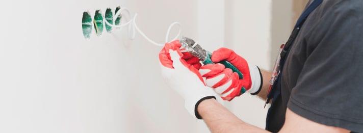 como-distiguir-a-un-buen-electricista-no-caer-enganos