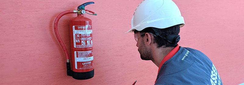 extintor-en-comunidad-de-vecinos-empresa-madrid